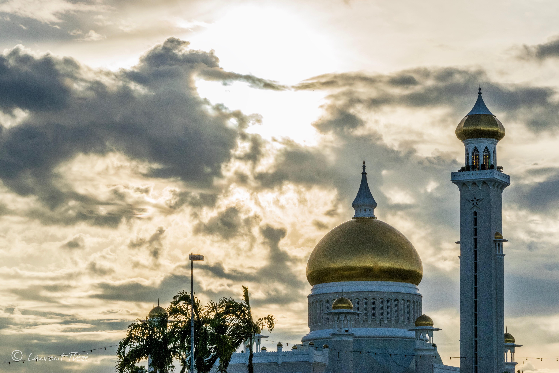 Le dôme en or de la mosquée du Sultan Omar Ali Saifuddin.