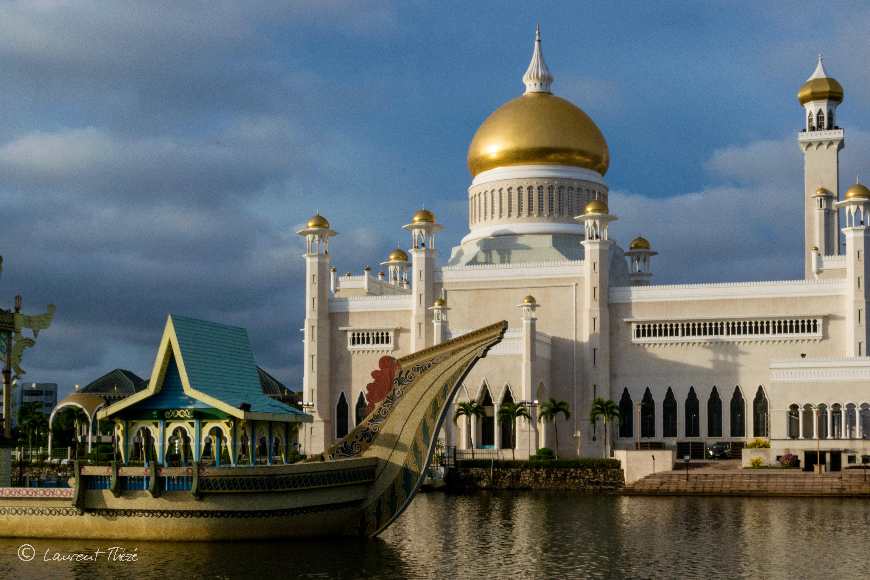 Les mosquées de Brunei, ici appelée Sultan Omar Ali Saifuddin.