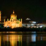 La mosquée Sultan Omar Ali Saifuddin au sultanat de Brunei.